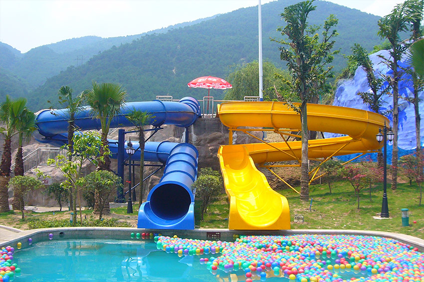 Fiberglass Children Water Slide for a water park customized
